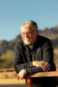 Author image - Raymond Keen